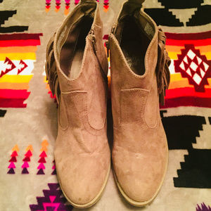 FADED GLORY SUEDE ANKLE BOOTS
